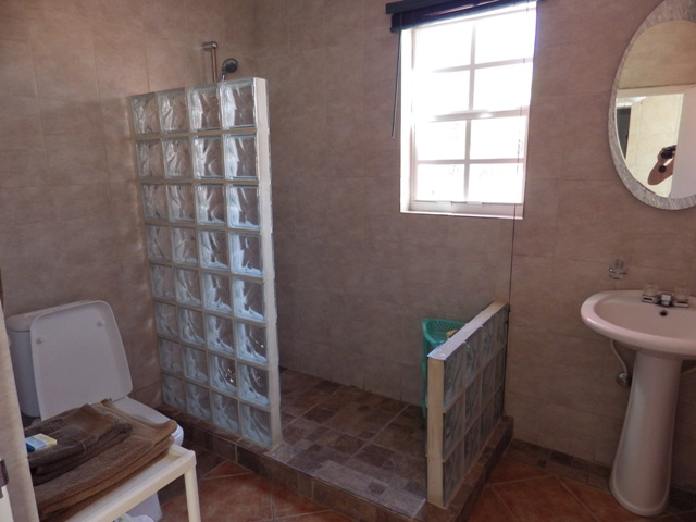 Unit 7 Washroom
