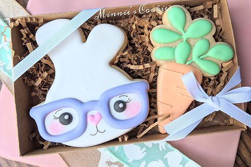 Hipster girl bunny & carrot set
