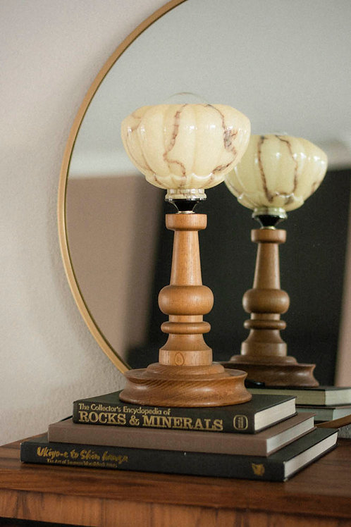 HOUTEN LAMP +GLAZEN KAPJE