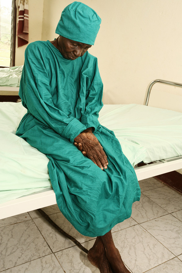 She was admitted to Mamfe hospital for a cataract operation on one eye...
