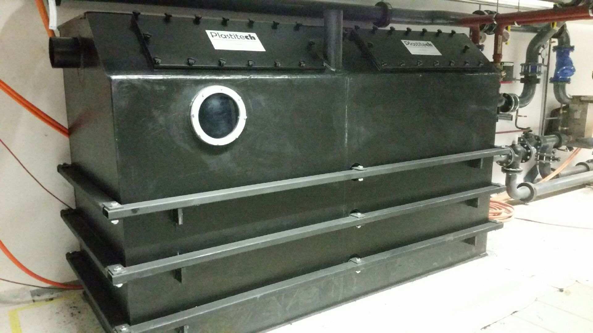 Séparateur de graisse PE-HD hors sol