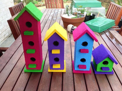 Small recycled birdhouses