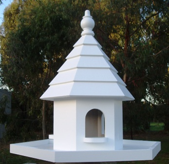Dovecote Palace with wide tray & lip