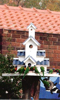 Grand Taj birdhouse
