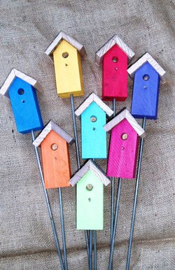 Painted 3D Birdhouse Stakes