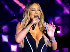 Mariah Carey gets emotional unboxing first copies of her memoir