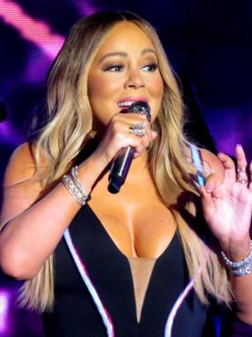 Mariah Carey gets emotional unboxing first copies of her memoir