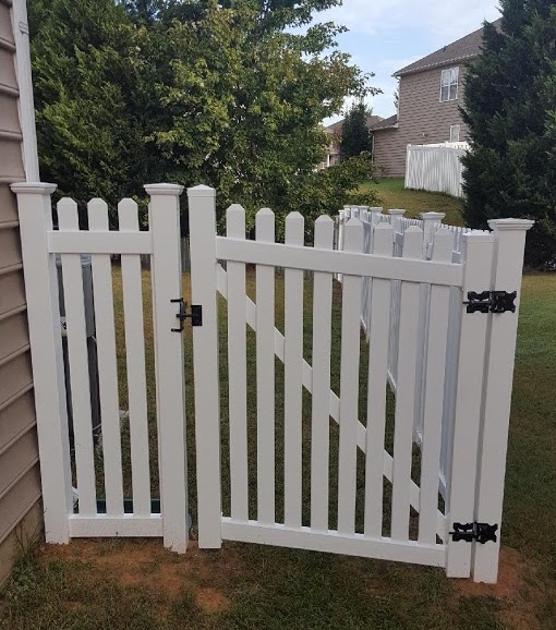 Vinyl Fence Installaion