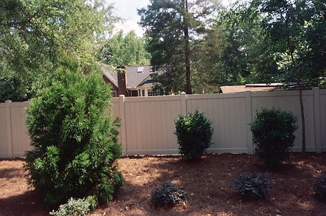 Charlotte Vinyl Fence Contractor