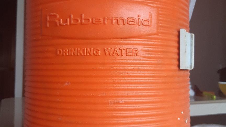 Termo Rubbermaid 12 Litros (4 Galones) Naranja