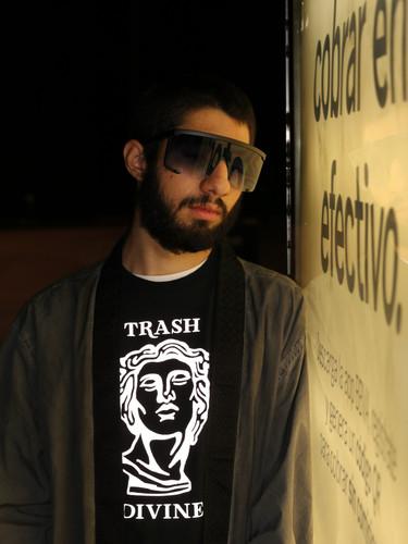 Trash divine
