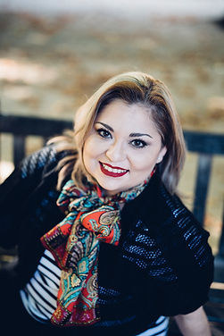 Bestselling Author Nely Cab