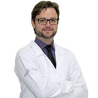 Dr Rafael-2.jpg