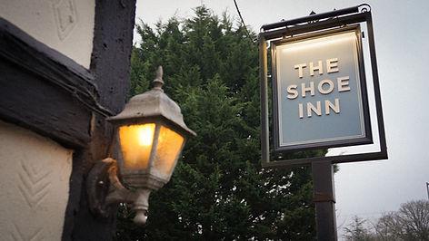 The Shoe Inn Romsey Sign