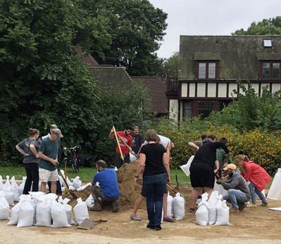 flood-assistance-sandbagging.jpg