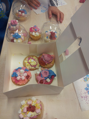 Love is in the air at our Valentine's Day baking workshop