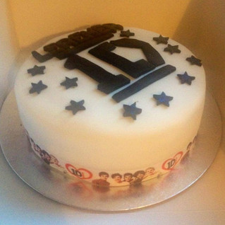 Jolene G made a fantastic One Direction cake for a big fan who celebrated her birthday last week. Brilliant.jpg