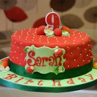 Lisa R made this beautiful summery strawberry themed cake for a 9th birthday surprise. Just gorgeous!.jpg