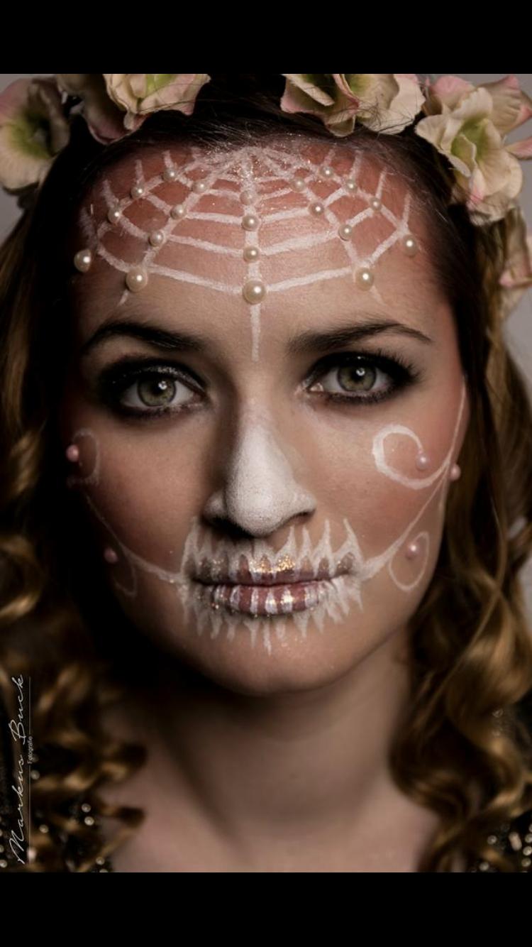 Skull-Make-up
