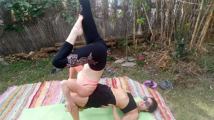 Acroyoga supported shoulderstand