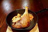フランス産鴨モモ肉のコンフィ