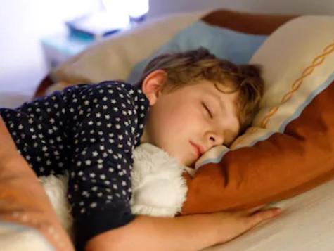 ¿Cómo hacer que mi hijo duerma mejor?