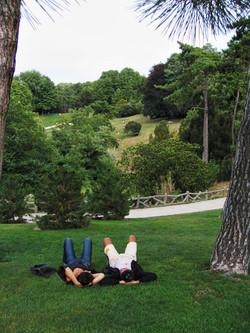 Lovers in the Parc de Belleville