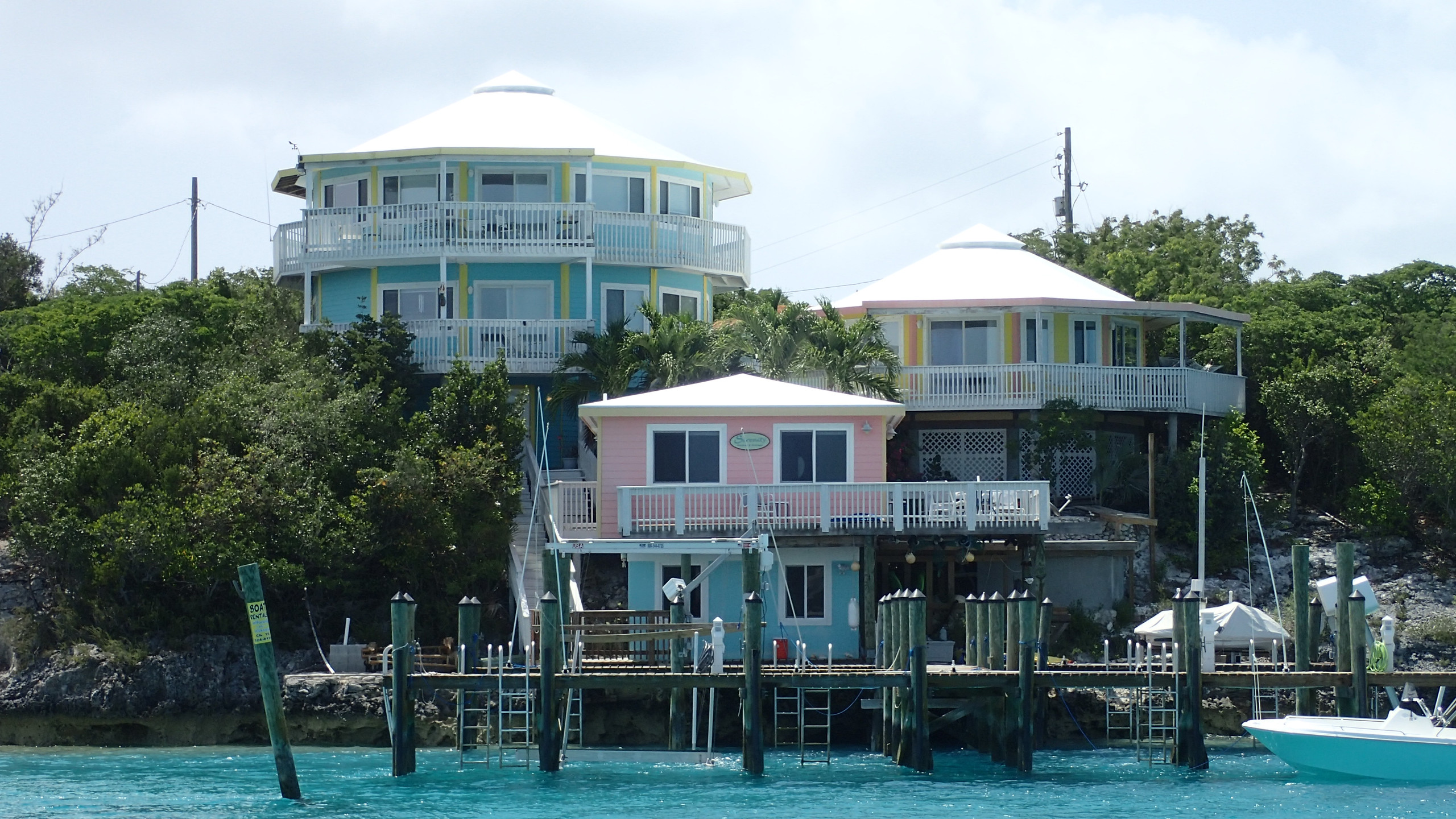 Bahamian Houses