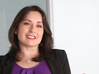 """Cristina Burgos: """"Las mujeres debemos de ser generosas y lograr que otras brillen"""""""