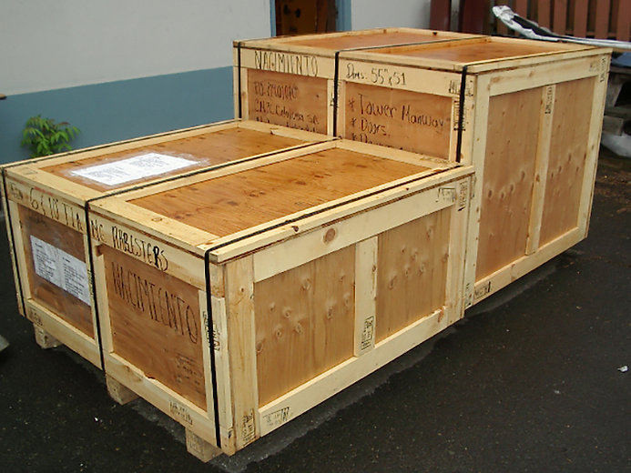 crating-march-10-2011-012.jpg
