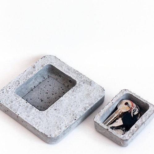 [004] Rock Trays