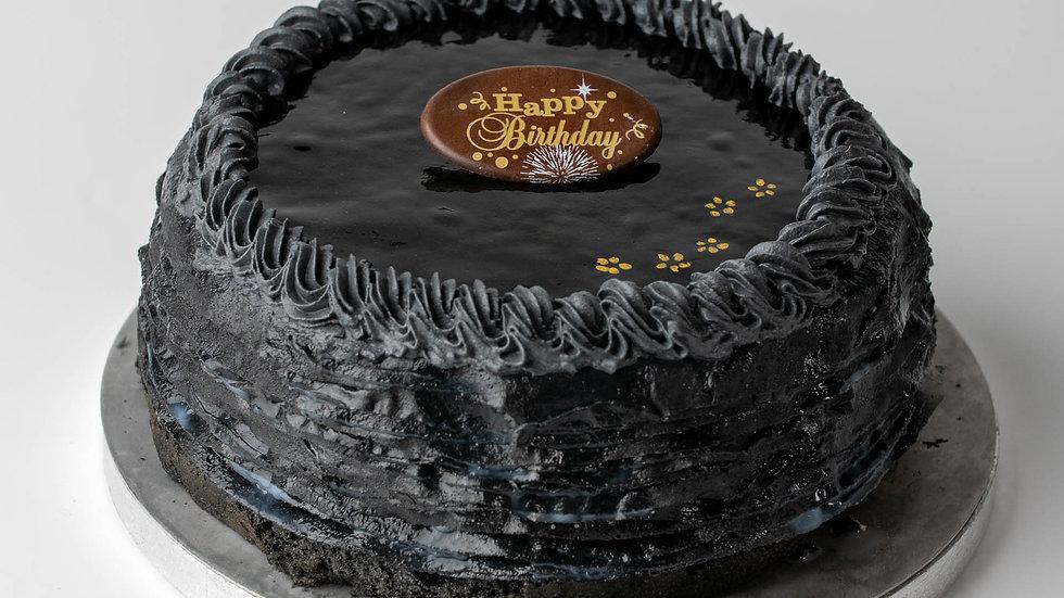 CHARCOAL BLACK SESAME CREPE CAKE