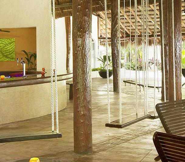 El-Dorado-Royale-Bars-Guacamayas.jpg