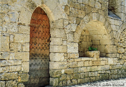 Saint-Clar-vieille église -les enfeus