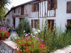 Mongaillard-Maison-à-colombages1