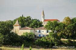 Saint-Léonard-maison avec pigeonnier+église