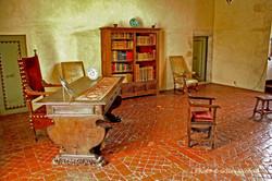 Gramont-château bureau 1er étage tomette