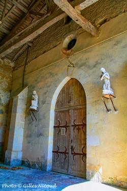 Castéron-porche église