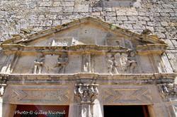 Gramont-façade renaissance sud-médaillon