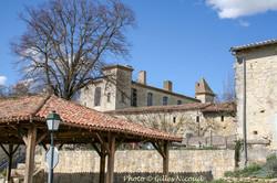 Saint-Léonard-lavoir + château