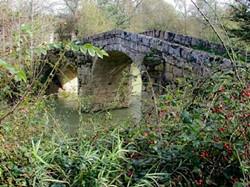 le pont d'Aurenque à Castelnau d'Arbieu.