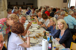 repas fête 9 sep 2018-Saint-Créac © Gill
