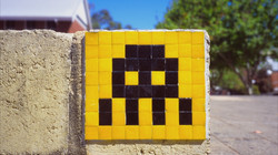 space-invader-yellow-mosaic