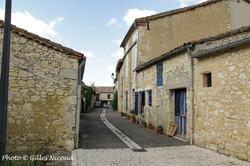 Isle-Bouzon-rue centrale du village
