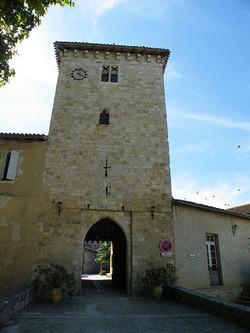 porte de ville-Sarrant