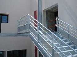 Escalier et préau école Fournier