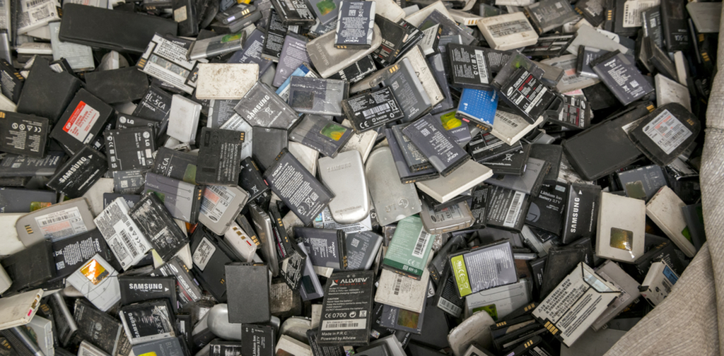 Lithium-ion batteries make for difficult recycling