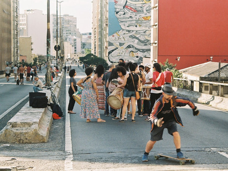 Minhocão: Hanging in the Streets