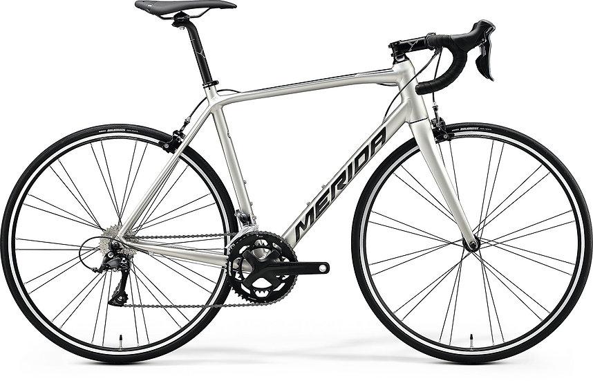 Шоссейный велосипед Merida Scultura 200 2020