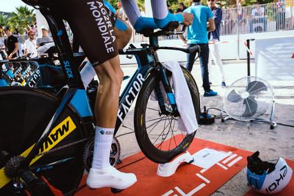 Высокие носки, наждачная бумага и комплектующие, распечатанные на 3D-принтере